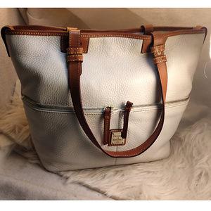 Authentic White Dooney & Bourke Purse Handbag